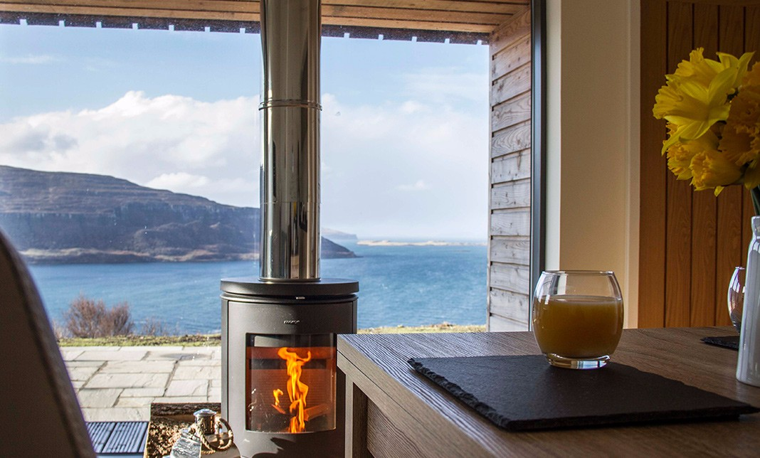 the-lookout-self-catering-accommodation-waternish-skye-stove-2