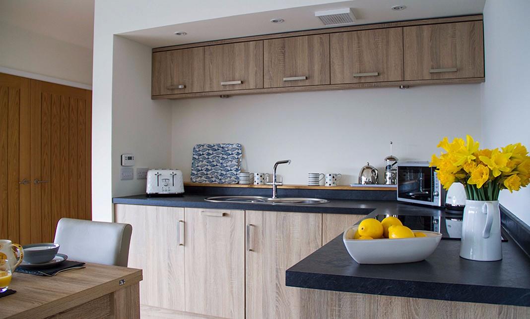 lookout-self-catering-accommodation-waternish-skye-kitchen
