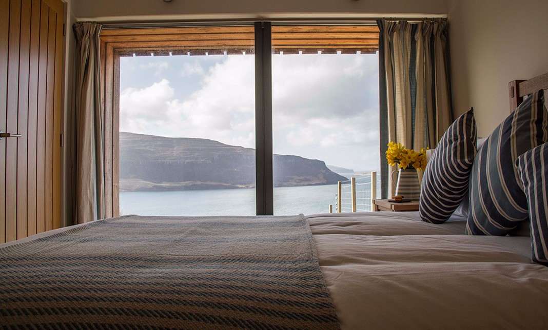 the-lookout-self-catering-accommodation-waternish-skye-bedroom-2